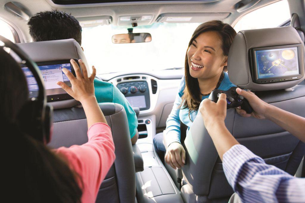 Mudik Asik Dengan Mobil Full Hiburan