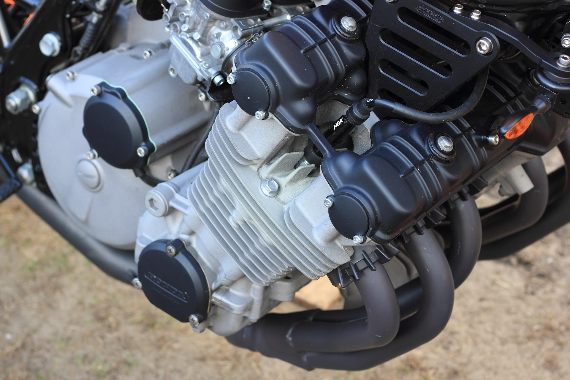 Kenali kelebihan dan Kekurangan Mesin DOHC Pada Sepeda Motor