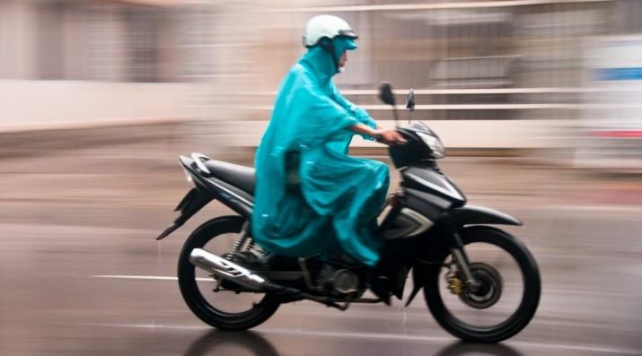 Musim Hujan, Ban Apa Yang Pas Untuk Sepeda Motor?